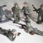 Soldaten sind vorbeimarschiert...